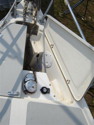 Windlass Inside Double Door Anchor Well C34 Org